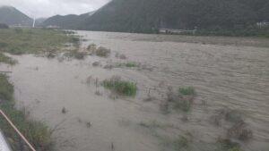 大雨洪水2